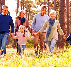 Happy%20multi-generation%20family%20walk