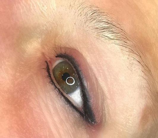 Eyeliner 8.JPG