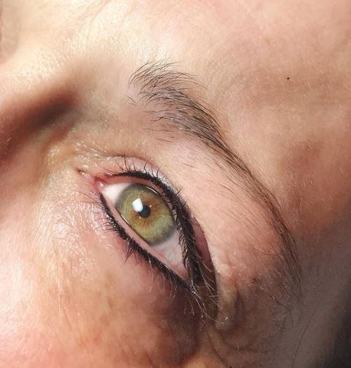 Eyeliner 6.JPG