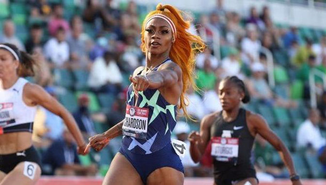 ShaCarri-Richardson-pointing-Gettyimages-1325108045.jpg