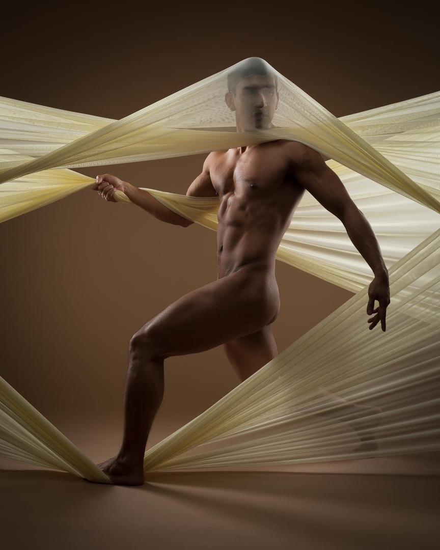 Model Moses Alcid