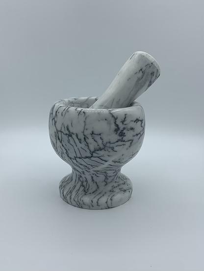 Pilão de mármore com socador