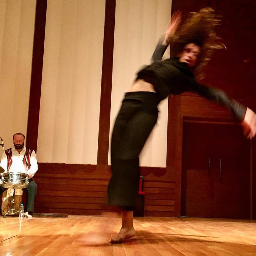 Uluslararası İzmir Tiyatro Festivali Açılış Performansı
