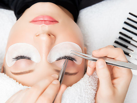 7 Ways to Make Your Lash Extensions Last Longer, According to a Lash Pro