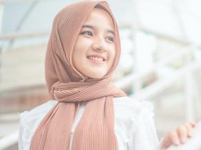 12 Tips Hijab Agar Rambut Tidak Bau Apek