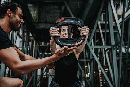 Personal Training is een trainingsvorm die geheel aan je behoeften en doelstellingen wordt aangepast. Werk samenmet je eigen trainerelke sessie weeraan jouw eigen doelen.