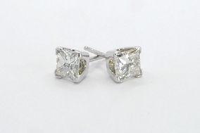 DiamondStudEarringsP1010018.jpg