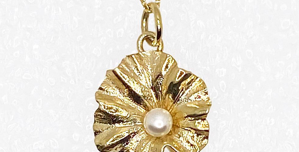 Lotus Leaf Pearl Gold Vintage Pendant