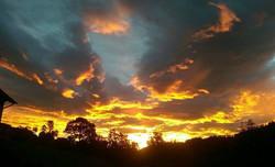 Sonnenuntergang Almhotel
