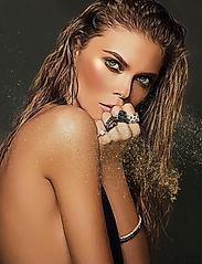 Stunning nude blonde artwork