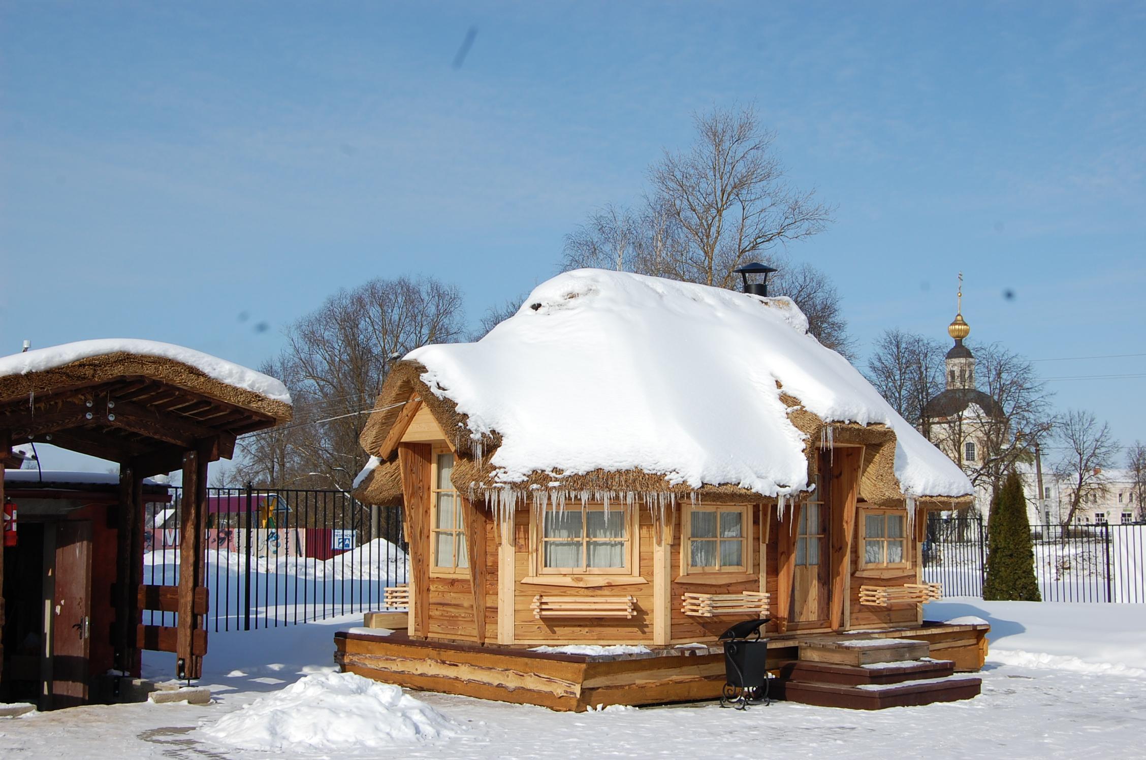 Гриль домик зимой