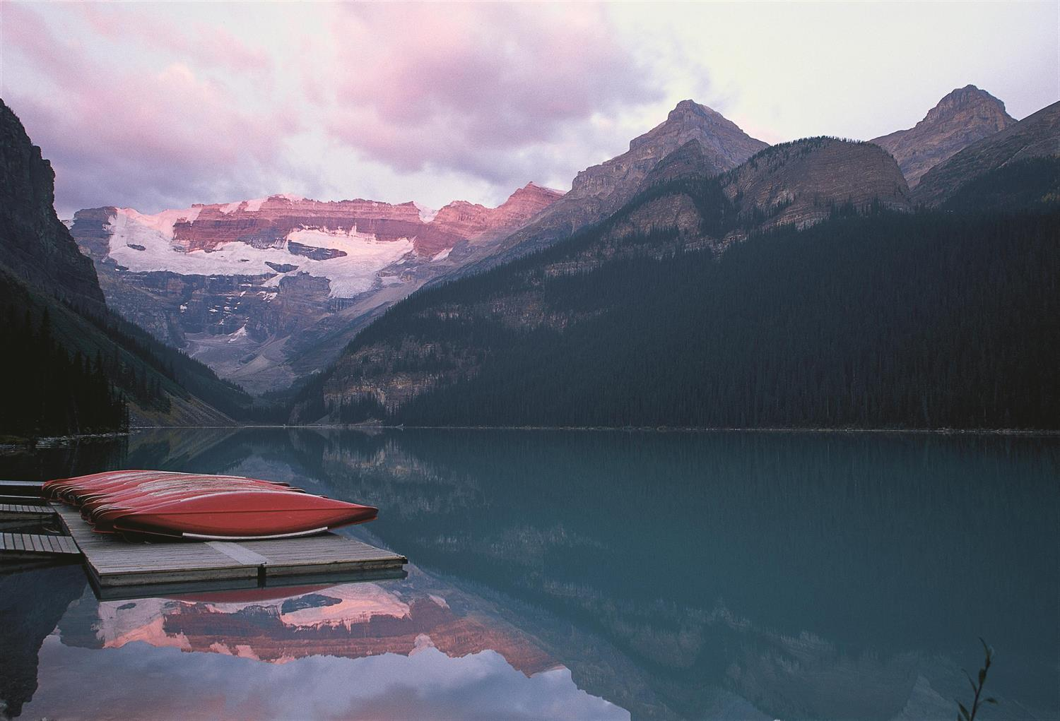 Lake Louise Boathouse | Canoe Ride
