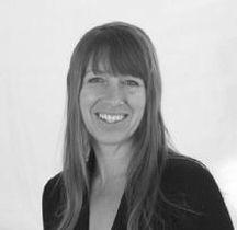Tracey Delfs, Facilitator of Mindfluness, Yoga & Meditation Retreat