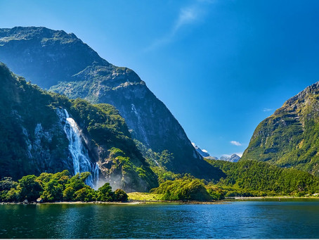 Explore New Zealand/Aotearoa: Epic Nature. Māori Foundations. First In Women's Suffrage. Penguins!