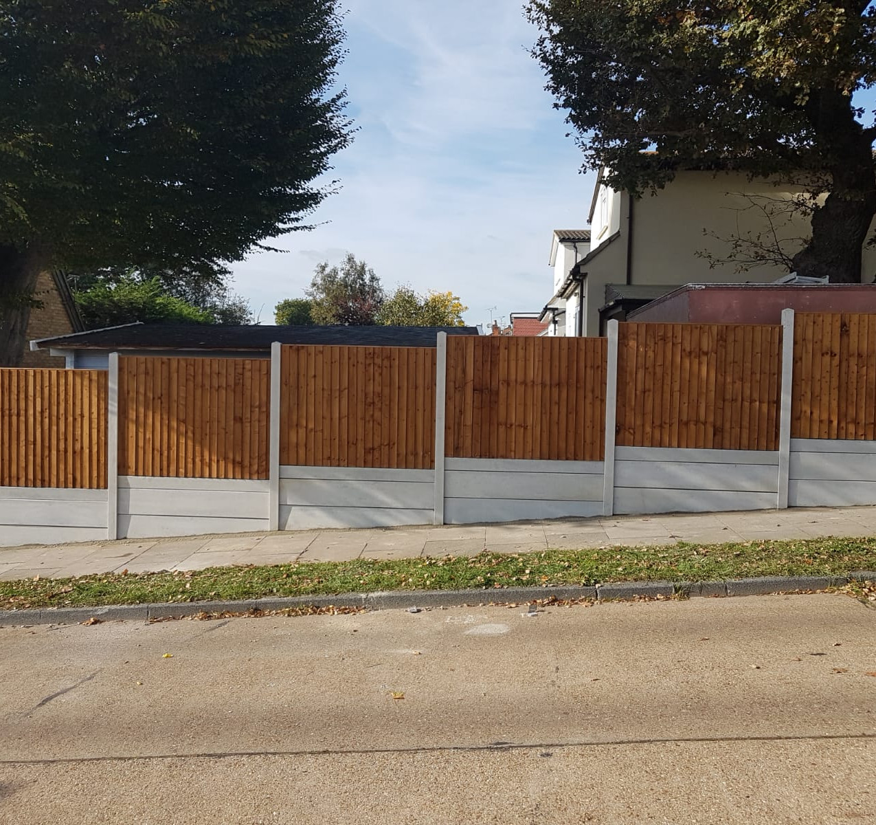 6FT high Feather Edge Fencing