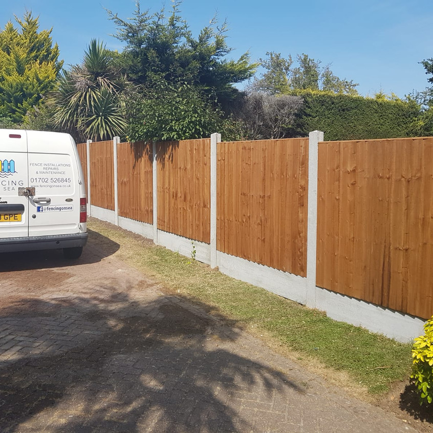5ft Feather Edge Panels with 1ft dish Gravel Boards
