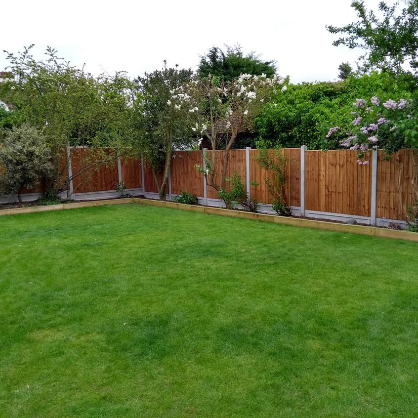 Corner garden plot