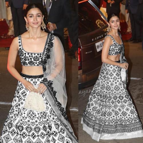 86cdae3cb8 Alia Bhatt Bollywood Tafeta Off white Embroidery Lehenga choli