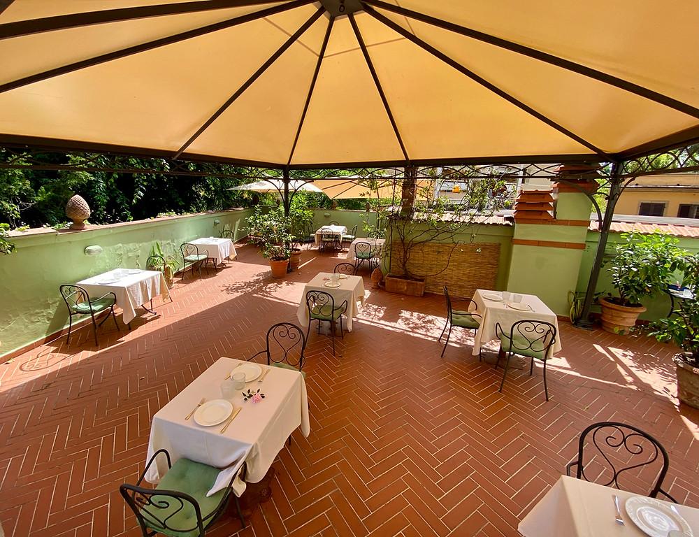Terrasse zum Frühstück im Hotel David in Florenz