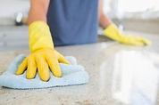 Come pulire i mobili di casa