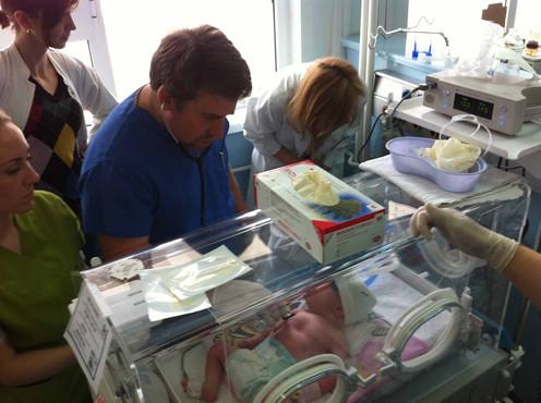 U.S. neonatologist trains Macedonian colleagues