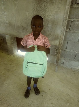 Photo 2 enfant Ecole MBESH Torbeck.jpg