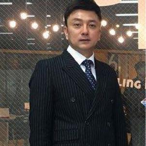 Jinni Kang