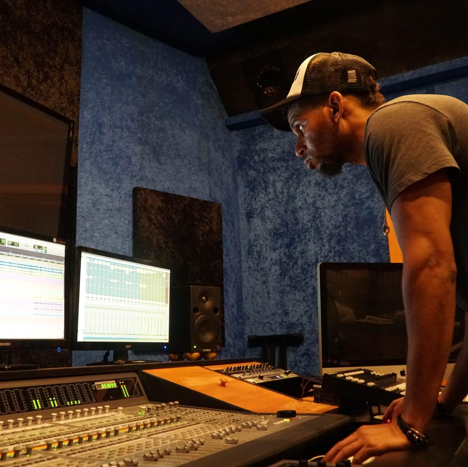 Pompey @ XRO Studios