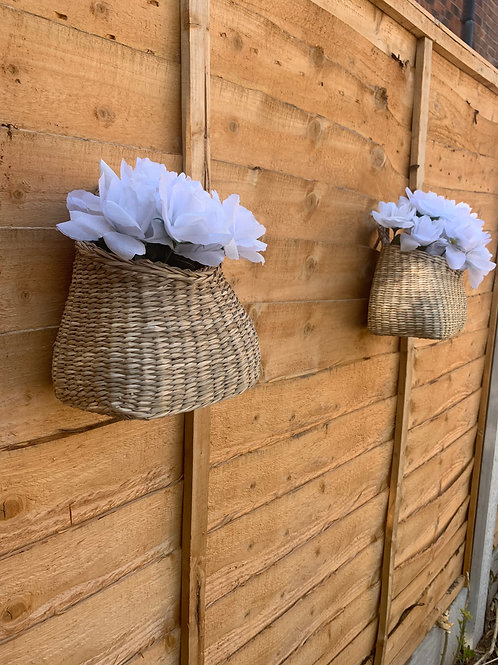 Hanging wicker planter