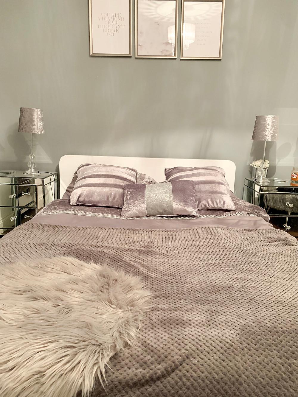 Dwell Notch Bed