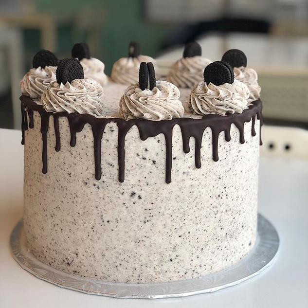 Sometimes simple is best 😊 #cake #cooki