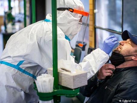 Paciente con covid-19 se lanza desde segundo piso en la CdMx