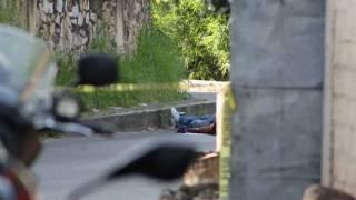 Iguala: Asesinan a balazos a un hombre y abandonan el cuerpo debajo de una camioneta