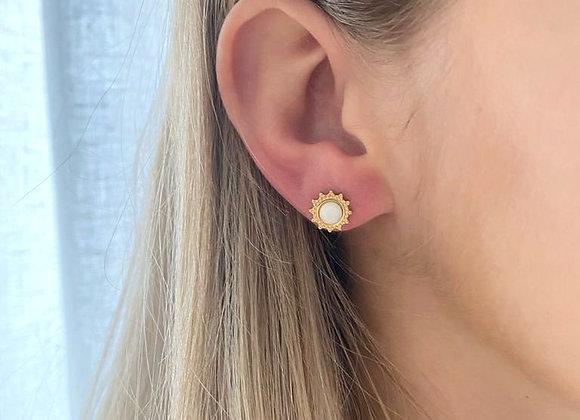 Gouden oorbellen met bloemvorm