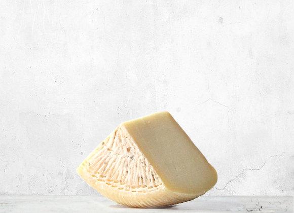 """""""PECORINO FRESCO SEMI STAGIONATO"""" Semi Cured pecorino cheese"""