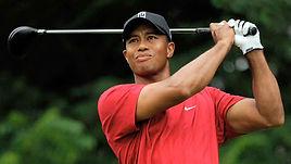 Tiger Woods en plein swing lors d'une compétition