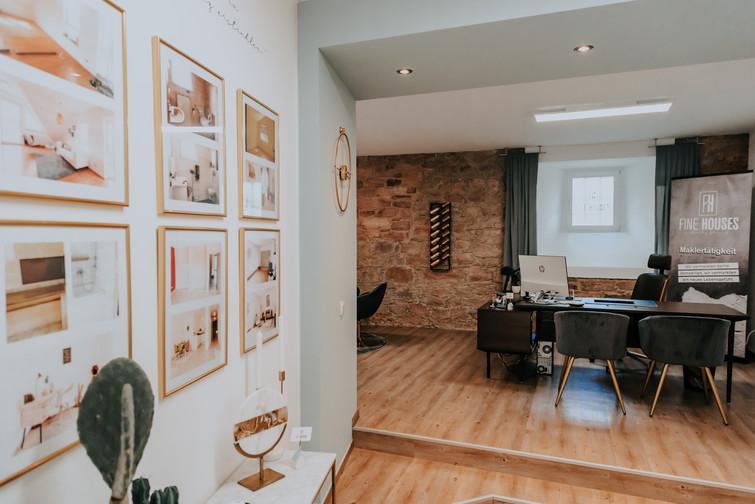 Fine Houses - Projektwand.