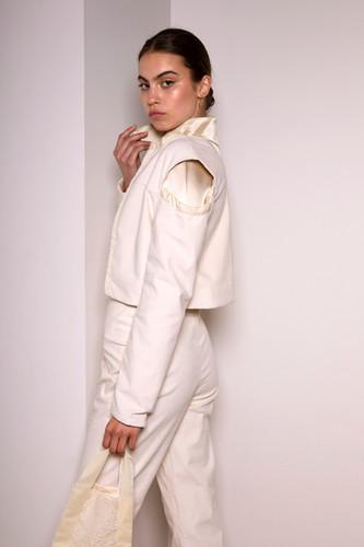Cropped corduroy jacket                      255.00 €    Product number: MA01J