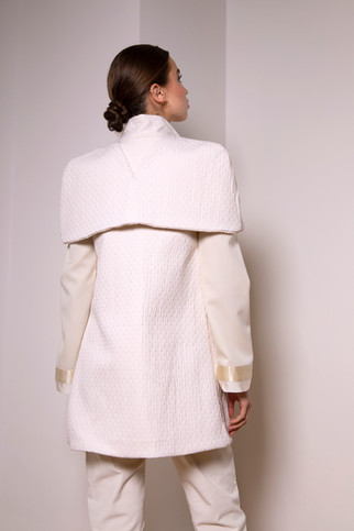 Thick cotton cape coat                      380.00 €    Product number: MA02C