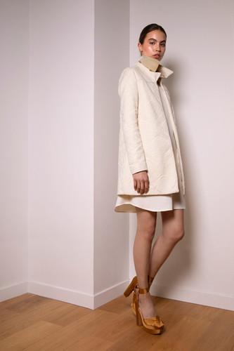 Damask coat                      380.00 €    Product number: MA01C