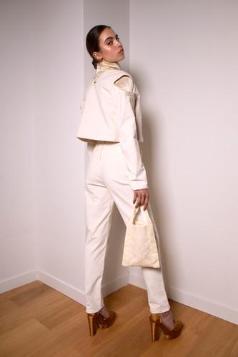 High-waist corduroy pants                      255.00 €    Product number: MA01P