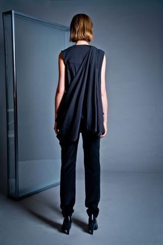 Mid-waist corduroy pants                      240.00 €    Product number: DIS02P