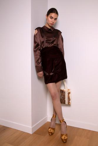 Mid-waist velvet skirt                      260.00 €    Product number: MA02S