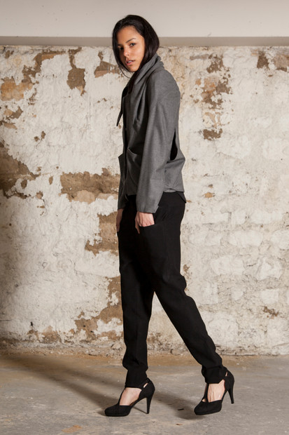 Jersey pant                     250.00 €    Product number: A02P