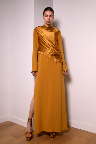 Long silk and crepe dress                      360.00 €    Product number: MA03D