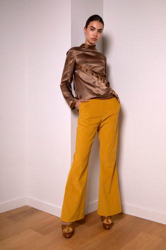 Mid-waist flare corduroy pants                      240.00 €    Product number: MA03P