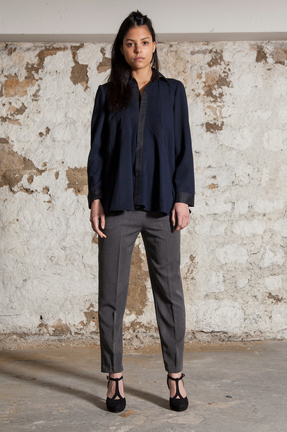 Viscose and silk shirt                     260.00 €    Product number: A03B