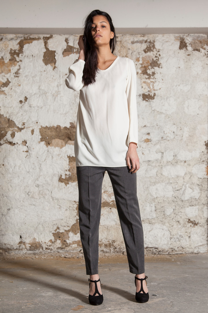 Draped viscose shirt                     250.00 €    Product number: A01B