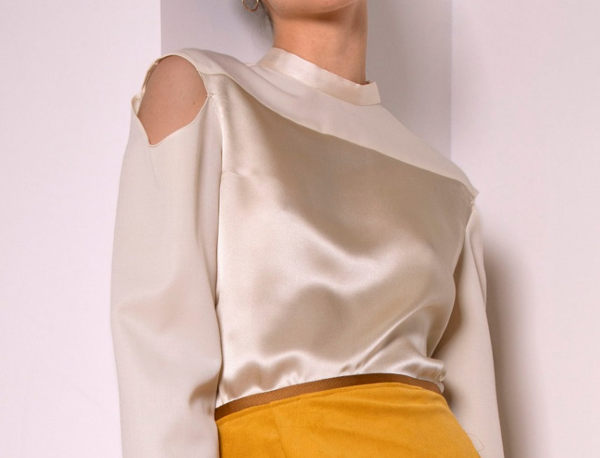 Moon silk and wool blouse