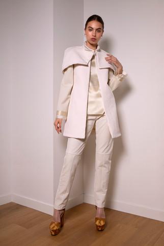 Mid-waist corduroy pants                      240.00 €    Product number: MA02P